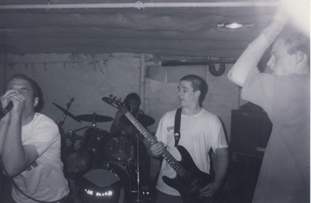 LiveWarehouse1999 4